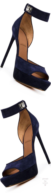 GIVENCHY 'Shark' sandals | LOLO❤