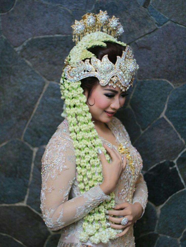 Sundanese brides