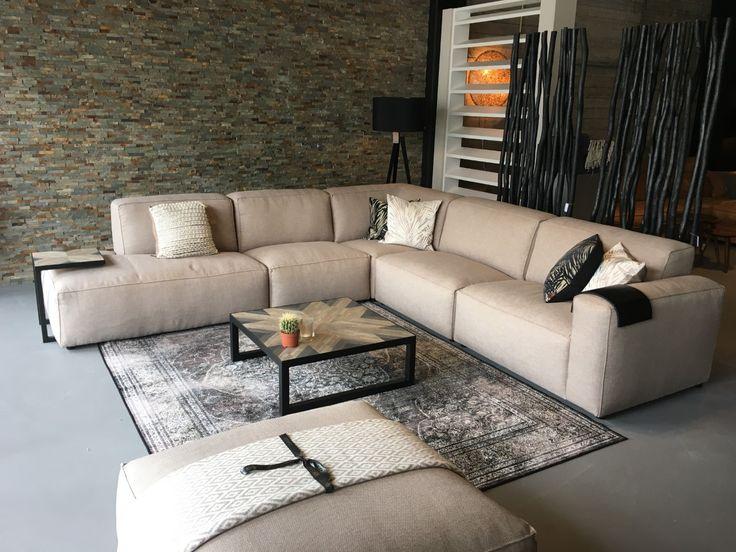 Deze stoere hoekbank Elise is leverbaar in diverse afmetingen / opstellingen / kleuren! #sofa #living #deathstocktable #zuiver #robuust #knitfactory #kussenfabriek #eindhoven #dutchbone