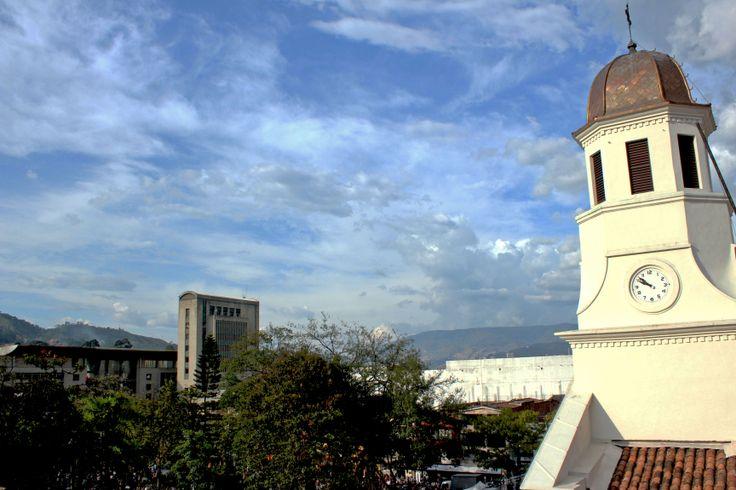 Foto de la Iglesia Nuestra Señora del Rosario y  el CAMI