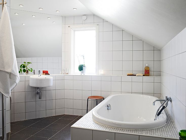 like the tiling - black squares, hex around the tub...