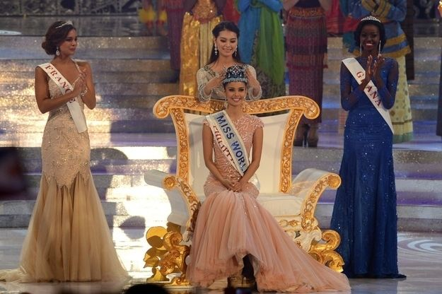 With Young's big win announced, outgoing Miss World — that's China's Yu Wenxia — crowned her successor. | Miss Philippines Wins Miss World 2013