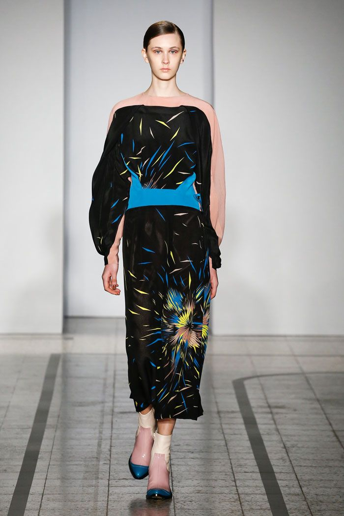 Mila Schön - look 31 MOEBIUS – Silk dress with printed sections of trompe-l'oeil.