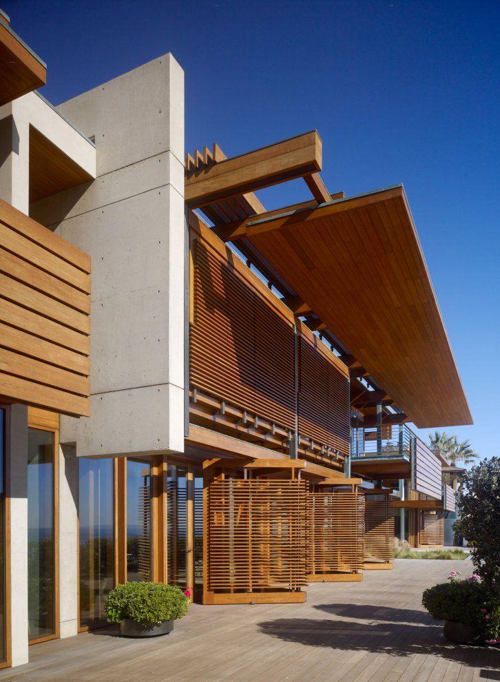 Malibu Beach House, California by Richard Meier & Partners Architects