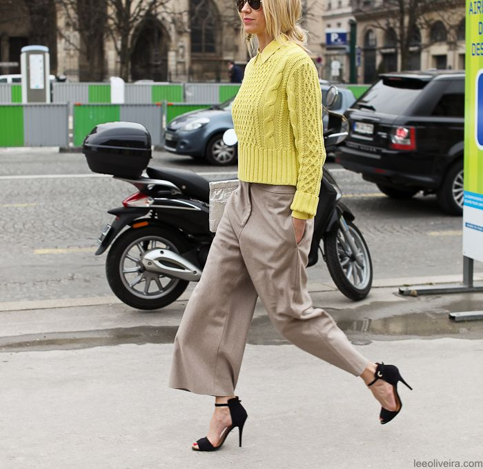 On the streets of Paris #fashion #streetstyle #moda #mode #streetchic