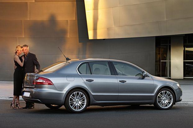 25 best skoda images on pinterest autos cars and automobile for Garage skoda versailles