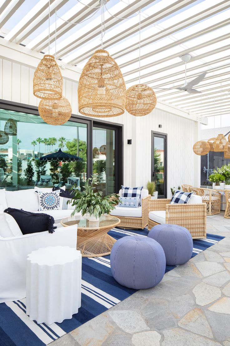 Steal These Outdoor Living Ideas from Serena & Lily's New Del Mar Store | Outdoor Living Furniture, Outdoor Living Rooms, Patio Furniture Covers, Outdoor Spaces, Outdoor Decor, Mcm Furniture, Home Room Design, Diy Home Decor, Home And Garden