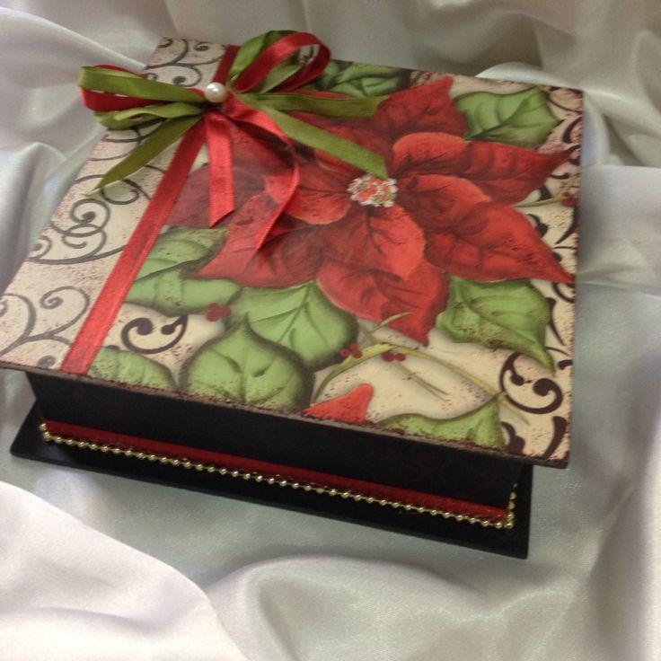 Caixa flor de natal - arte com decoupage e carimbos - Rachel Simonini