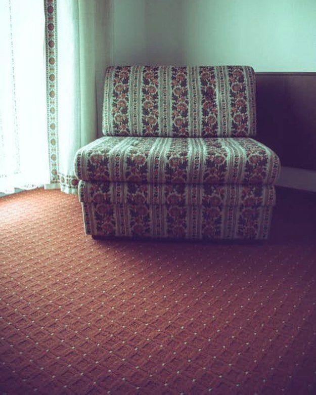 Eljött az év vége, már csak pár nap van hátra.🙂 Aki tud, az feküdjön, vagy üljön le az ágyra, vagy éppen a fotelra. Egy ilyen padlószőnyeg, pedig végképp jót tesz a léleknek ebben a hidegben.👌🏻😍😊 #drpadlo #padlószőnyeg #trafalgar #imádjuk❤️😜 #pihenés #ünnepek #együttigaziazünnep🎄☺️ https://drpadlo.hu/padloszonyeg-trafalgar-bordo.html | SnapWidget