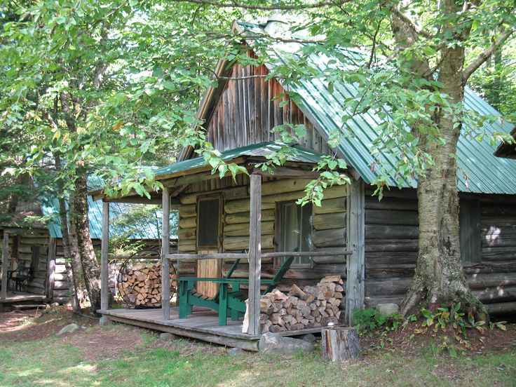1000 ideas about old cabins on pinterest rustic interiors small cabins and cabins in the woods - The recreational vehicle turned cabin in the woods ...