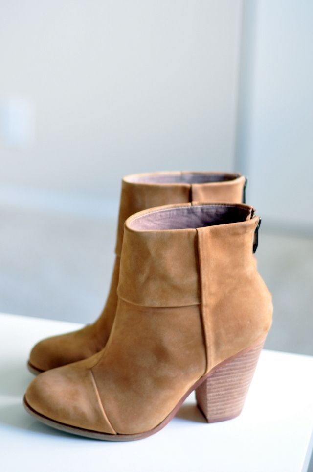 inthecitywithcrystalin: (via Review: Vince Camuto Hadley Bootie |)