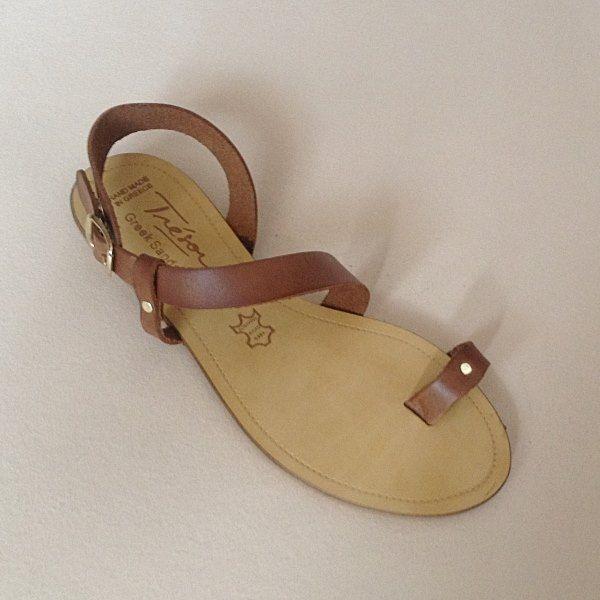 Greek Sandals (Δερμάτινα :: Πέδιλα, Σαγιονάρες, Παντόφλες) @ www.GreekShoes.Net > Κωδικός: 260.506 > Μεγέθη: Νο.35-Νο.41 (τιμή 30€) & Νο.42-Νο.45 (τιμή 40€) > Σόλα: Σφήνα ή Φλάτ | Λευκή ή Μπέζ > Χρώματα: Ταμπά, Μαύρο, Άσπρο, Φυσικό, Χρυσό, Χαλκός, Κοραλί, Κίτρινο, Μπλε