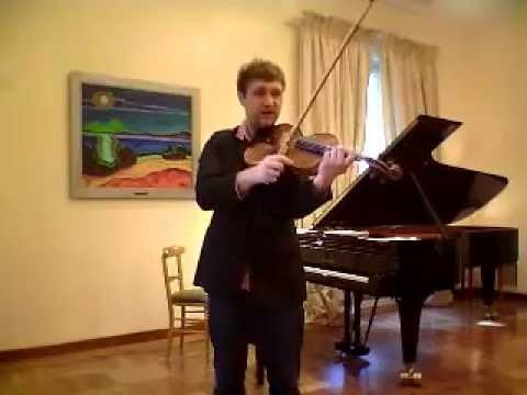 In the April 2013 issue of The Strad, violist Nils Mönkemeyer discusses his practising of the Bartók Viola Concerto. Here, he gives tips on how to maintain the independence of the left and right hand, and the effect on producing vibrato.