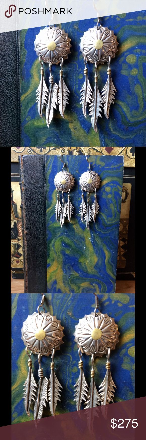 Vintage Taxco 925 Signed TS-79 Boho Feather Conch RARE HTF sought after, Modernist Vintage Taxco 925 silver earrings. Signed TS-79 Juan Vasquez Sandoval also known as Two Trees. Vintage Jewelry Earrings