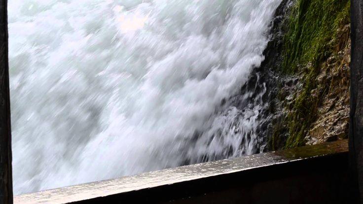 Rheinfall in Schaffhausen/ Wodospad nad Renem w Schaffhausen/ Switzerland