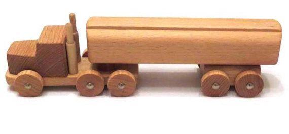 Madera de camiones con remolque cisterna, hechos a mano para niños medio ambiente