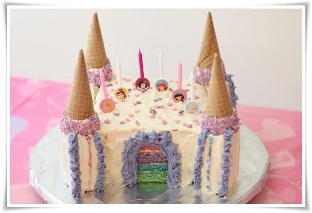 Regnbue-prinsesseslott-kake ;)