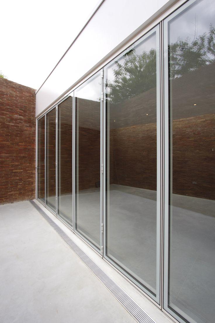 Frameless glass fin facade frameless glass sliding doors amp pool - Frameless Glass Fin Facade Frameless Glass Sliding Doors Amp Pool Flush Aluminium Bi Fold Doors Download