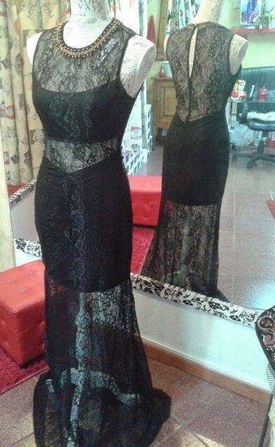 Vestido encaje color negro,  talla M