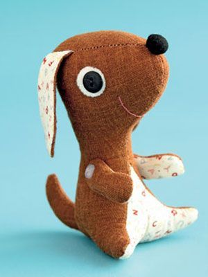 Create this pocket-sized toy dog - free pattern and tutorial