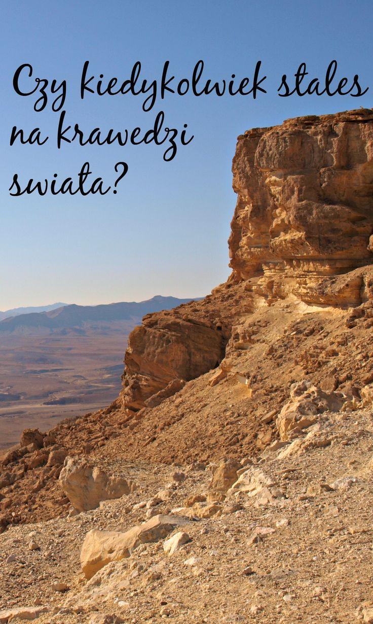 Mitzpe Ramon to niewielkie miasto położone na środku pustyni Negew. Gdy jedziemy tu z północy, z Tel Awiwu czy Jerozolimy, już w mieście Beer Szewa zmieniają się widoki. Znaleźliśmy się na stuprocentowej pustyni...  Przeczytaj więcej na blogu! Kliknij w zdjęcie