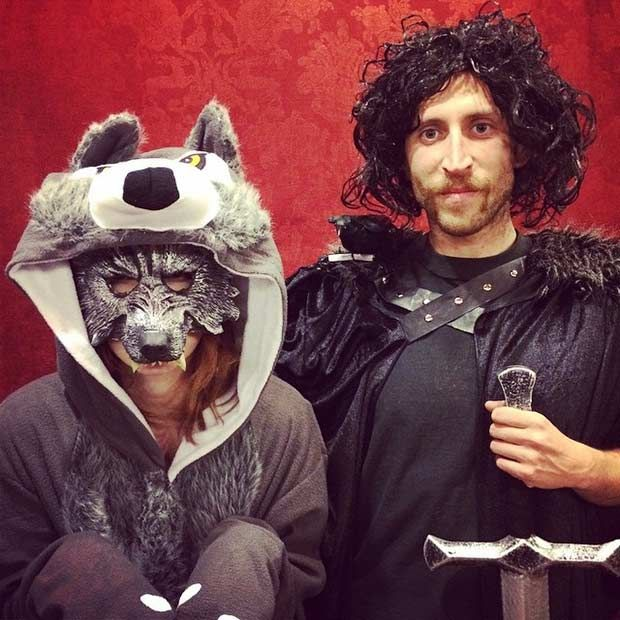 Game of Thrones Couples Halloween Costume - Jon Snow and Ghost