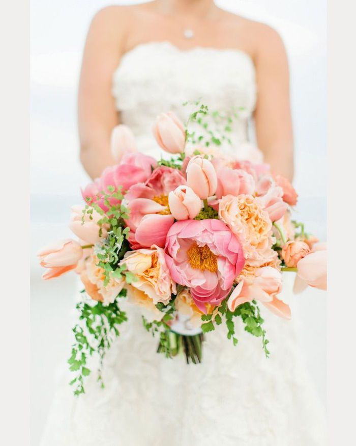 Wedding Bouquets with Elegant Colors - MODwedding