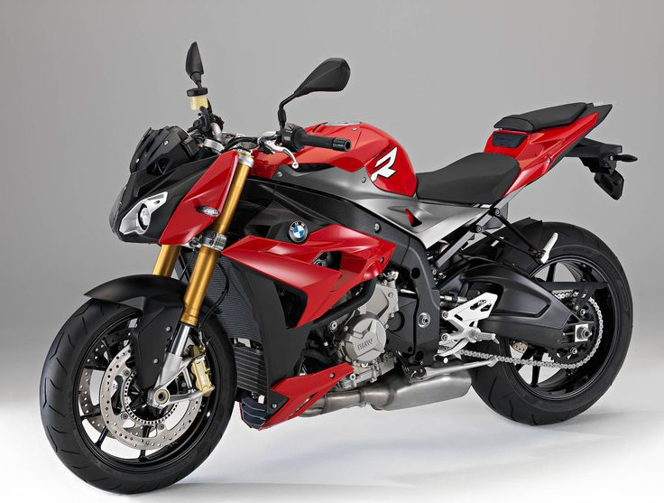 2014 Naked BMW S 1000 R Revealed Milan EICMA 2013. Based on the platform of its phenomenal S 1000 RR superbike, BMW has developed a new naked with a claimed 160 hp and a weight of 456 pounds.