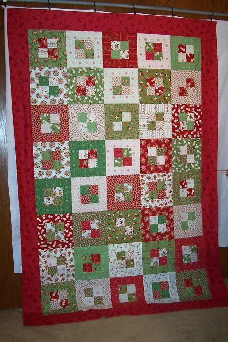 Best 25+ Christmas quilt patterns ideas on Pinterest Quilted table runners christmas, Holiday ...