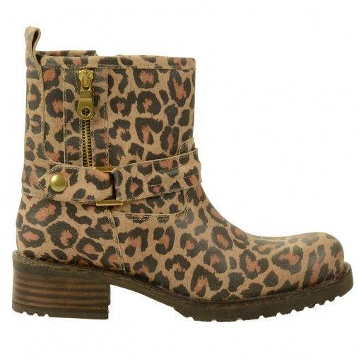 SACHA // Leopard zipper boots € 119,95 #leopard #boots