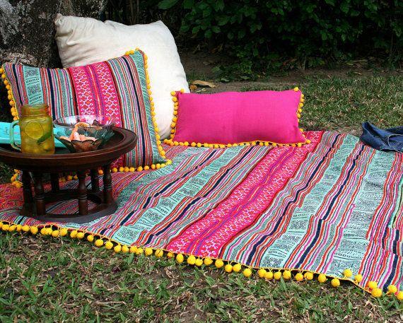 Manta del tiro de Boho, manta de Picnic, sofá tiro en Hmong colorido bordado en Batik con pompones, decoración Bohemia, envío mundial gratis