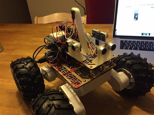 Maker 3D prints a Dagu Rover 5 autonomous driving robot