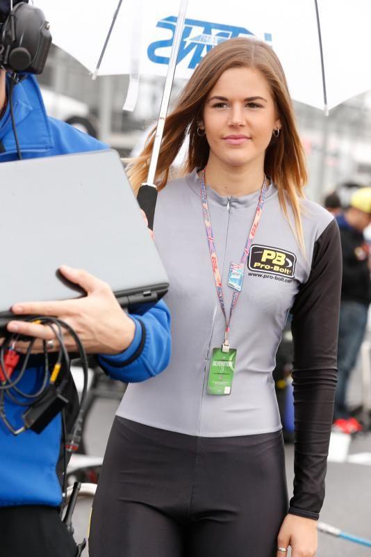 Gadis Cantik GP Inggris 2015