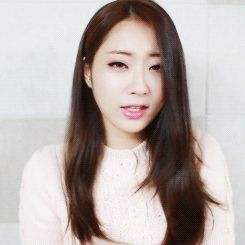 KyungRi GIF (courtesy: http://www.beautifulkoreanartists.com/)