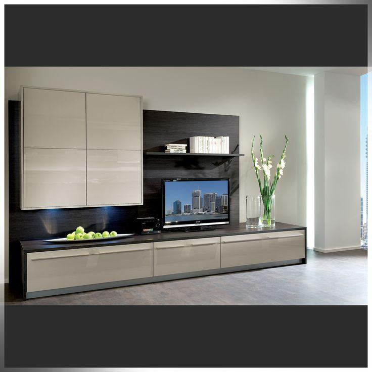Beautiful living room featuring Niemann high gloss panels.