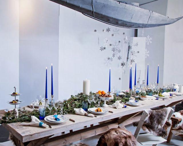 Wonderful Christmas table settings from Royal Copenhagen. More pictures here: http://franciskasvakreverden.blogspot.no/2013/12/fire-inspirerende-julebord.html