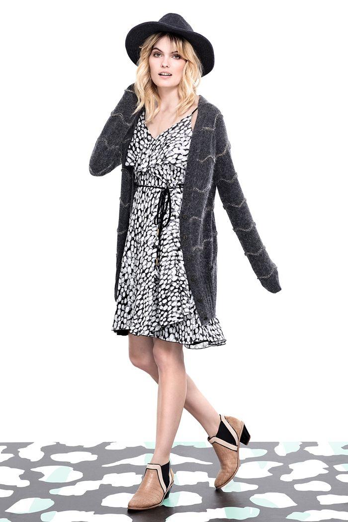 marca argentina Vitamina, moda juvenil y arreglada, urbana, con vestidos y faldas que se adaptan a todas las edades y gustos, sweaters y sacos tejidos con puños y cuellos en piel,