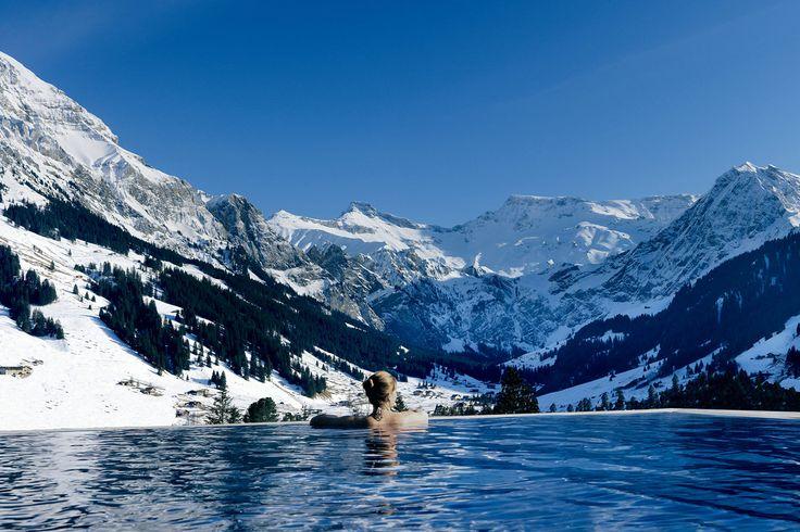 Jornal lista as melhores #piscinas ao ar livre com paisagens de tirar o fôlego http://catr.ac/p569446 #infinitepool #travel