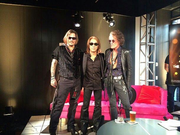 左からジョニー・デップ、松本孝弘、ジョー・ペリー(エアロスミスG.) 2011.2.13