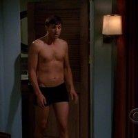 Ashton Kutcher: Underw...