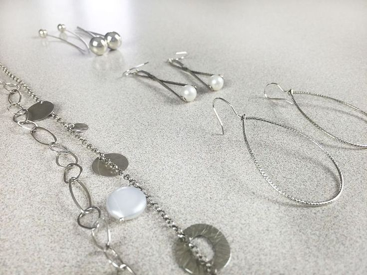 Mejores 6195 imgenes de diy jewelry en pinterest how to clean tarnished jewelry from crafted love a diy jewelry cleaner gentle enough to solutioingenieria Choice Image