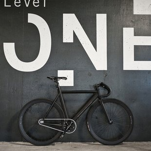 """The """"So Me"""" Fixie: Fixie, Bike, White Spaces, Graphics Design, Environment Graphics, Signage Design, Fix Gears, Matte Black, Bicycle"""