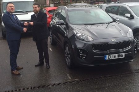 Mr Davey collected one of our All-New ‪#‎16Plate‬ Kia Sportage SUVs. Clearly a very popular vehicle!