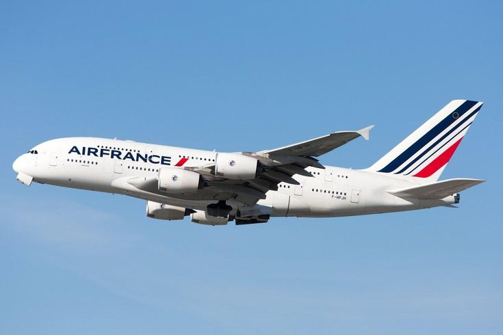 An Air France Plane Lost One of Its Engines Over the Atlantic Ocean  https://www.cntraveler.com/story/an-air-france-plane-lost-one-of-its-engines-over-the-atlantic-ocean