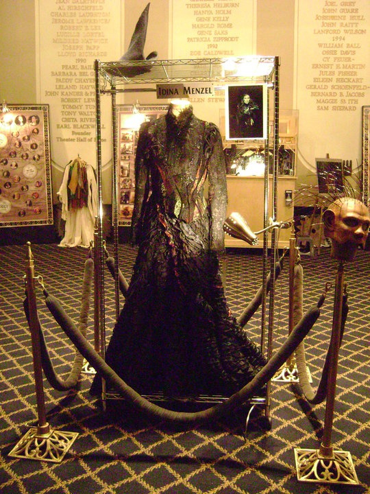 Behind the Emerald Curtain tour in NYC Idina Menzel's Elphaba dress!