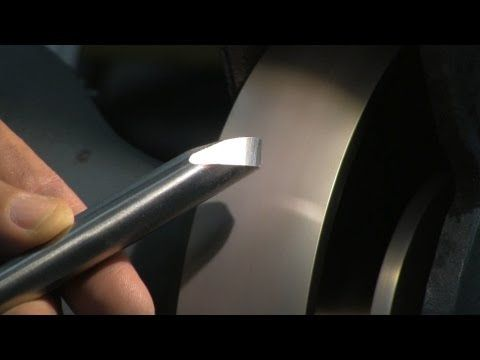 How to sharpen a damaged chisel on Tormek - YouTube
