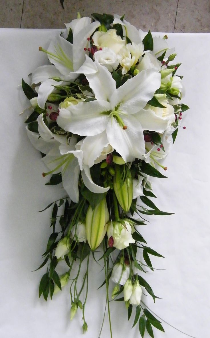 White Oriental Lily & Rose Teardrop