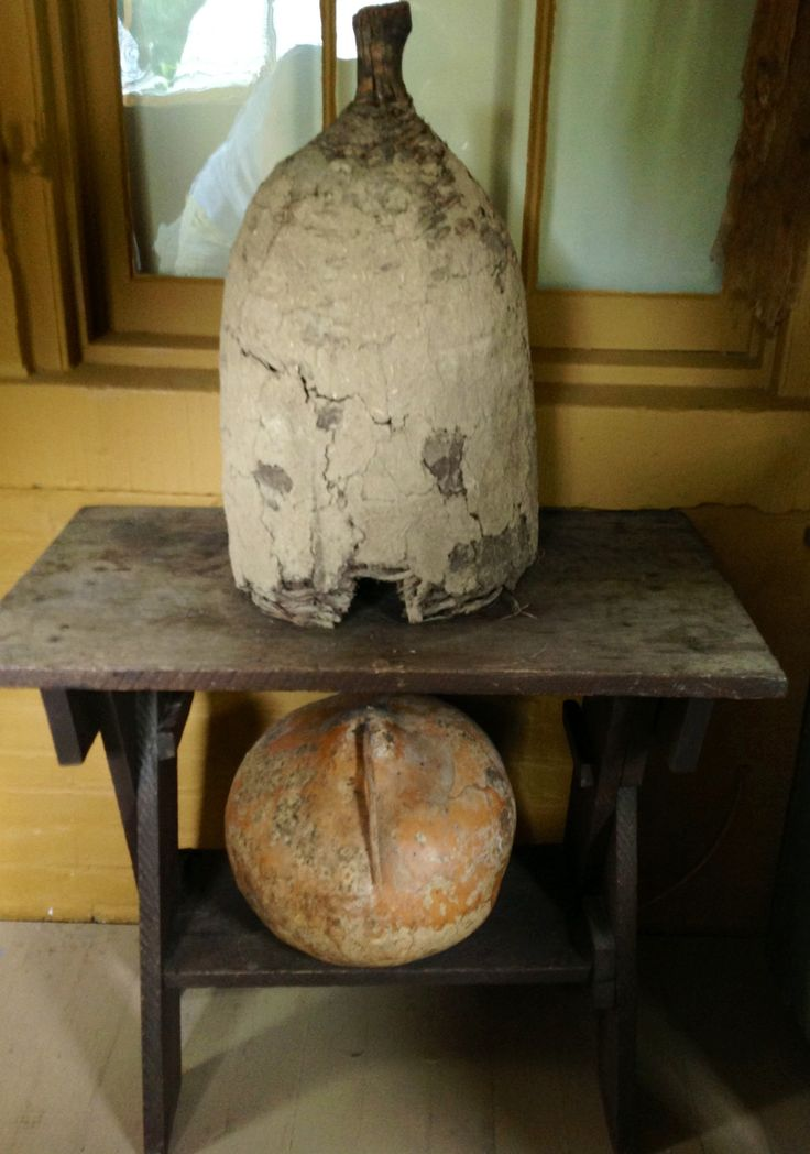 Sawbuck Table With Shelf Old Beeskept On It Primitive Kitchen DecorPrimitive