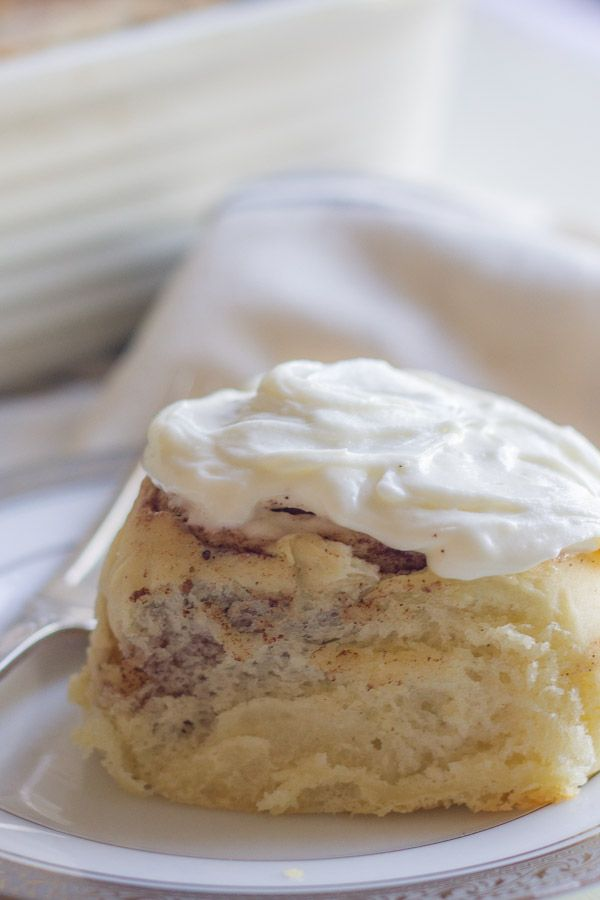 Holidays morning should start with a warm cinnamon roll with a generous amount of cream cheese frosting. The aroma alone will be enough to wake up guests and invite them to breakfast!