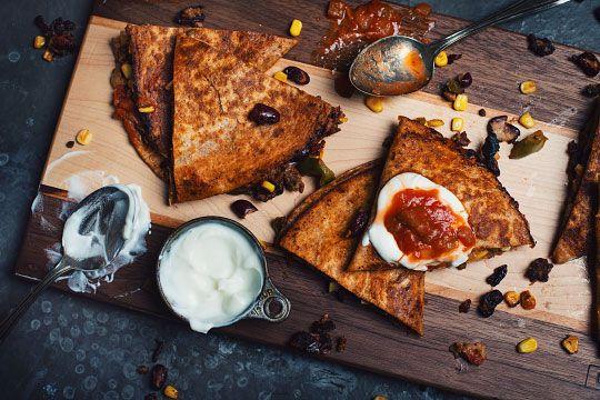 Quesadillas avec chili au boeuf et aux fèves rouges - Le Coup de Grâce